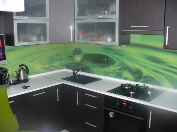 Обзавеждане за кухня с принт стъкло по